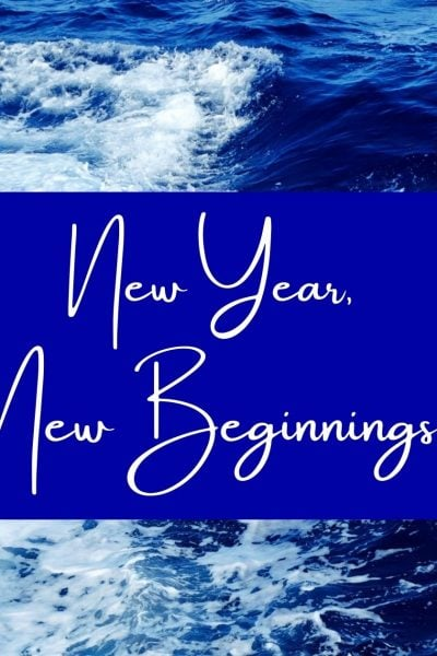 ocean-waves-crashing-into-each-other-with-blue-overlay-that-says-New-Year-New-Beginnings