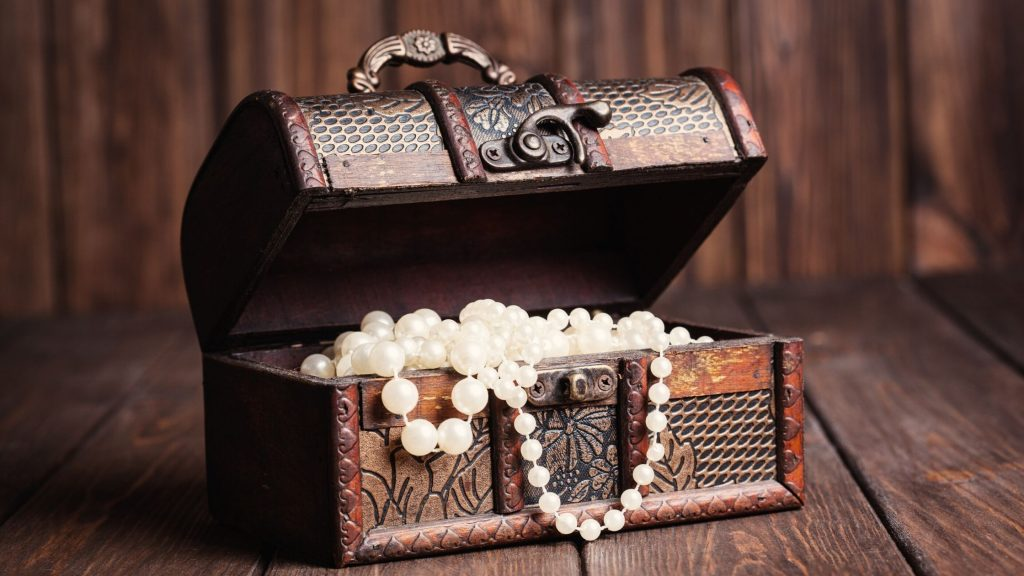 treasure chest full of pearls