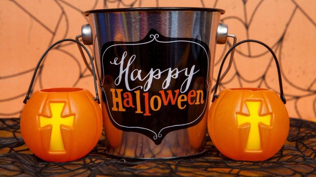 Christian Hallween decorations that say Happy Halloween